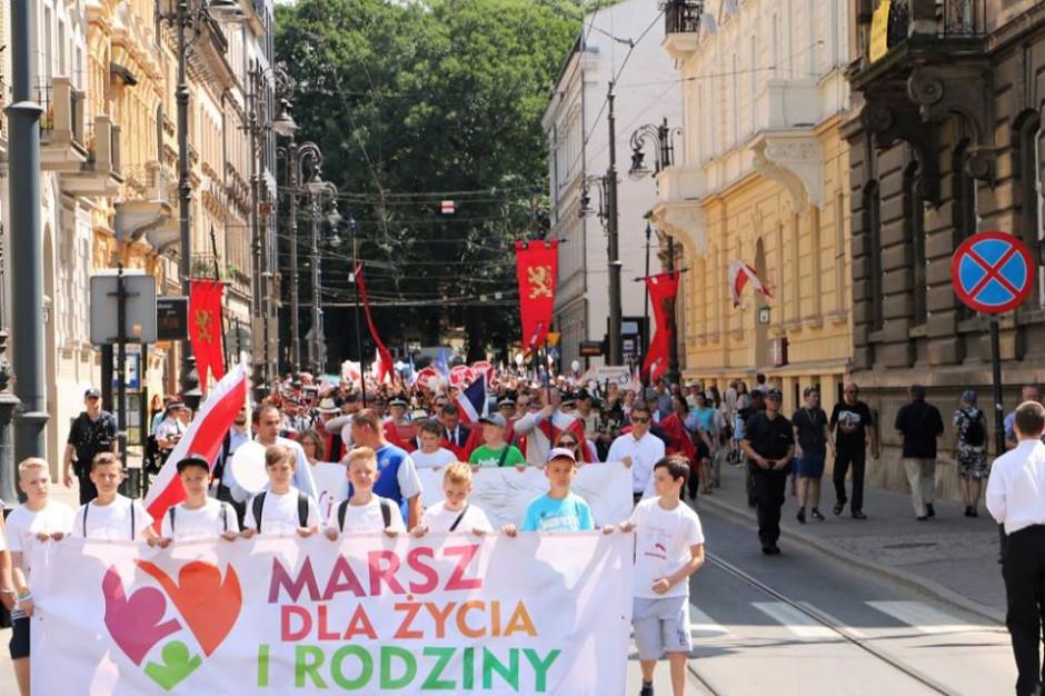 Rzeszów: Marsz dla Życia i Rodziny w Dzień Świętości Małżeństw i Rodzin