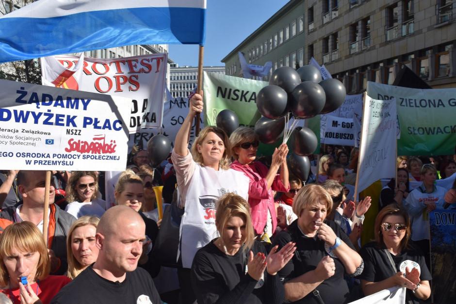 Pracownicy socjalni chcą spotkania z minister Barbarą Borys-Szopą