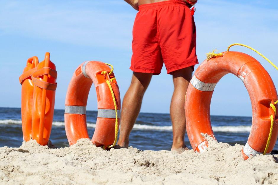 Samorządy skompletowały obsadę ratowników w kąpieliskach nad morzem