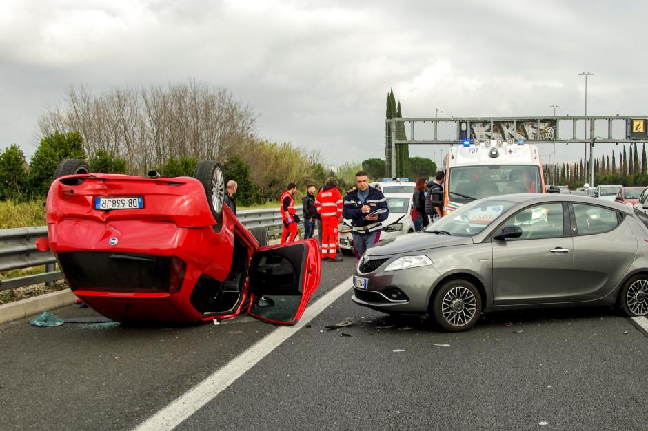 Wypadki na drogach: Od początku wakacji zginęły już 52 osoby