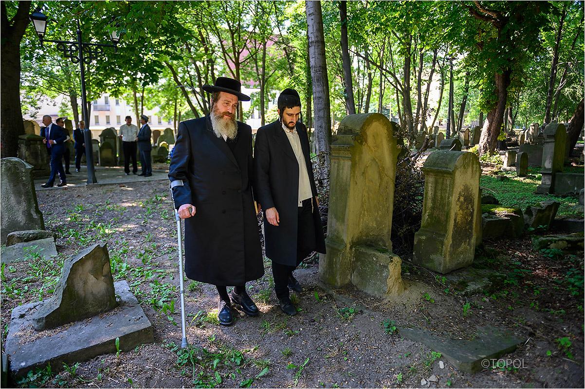 Przywrócenie świetności tarnowskiej nekropolii jest wielkim wydarzeniem dla społeczności żydowskiej - powiedział naczelny rabin Polski Michael Schudrich (fot.tarnow.pl/ Paweł Topolski)