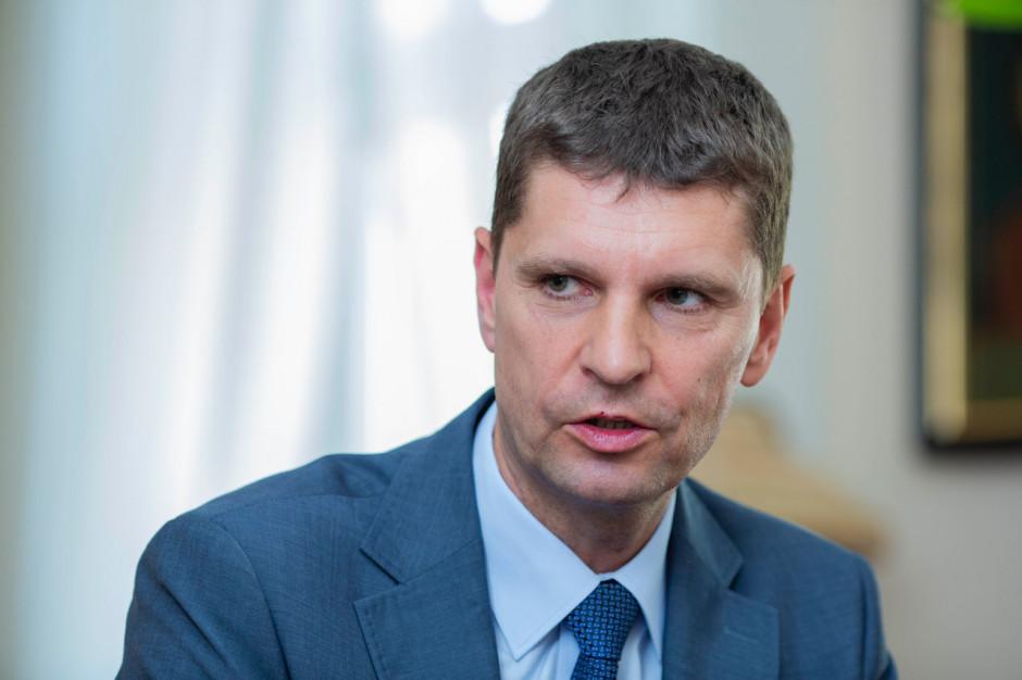 Dariusz Piontkowski gloryfikuje harcerstwo w liście do uczniów i nauczycieli