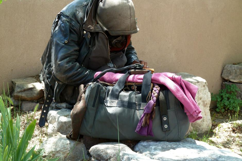 Podopieczni MOPS-u żyją w fatalnych warunkach... na własne życzenie