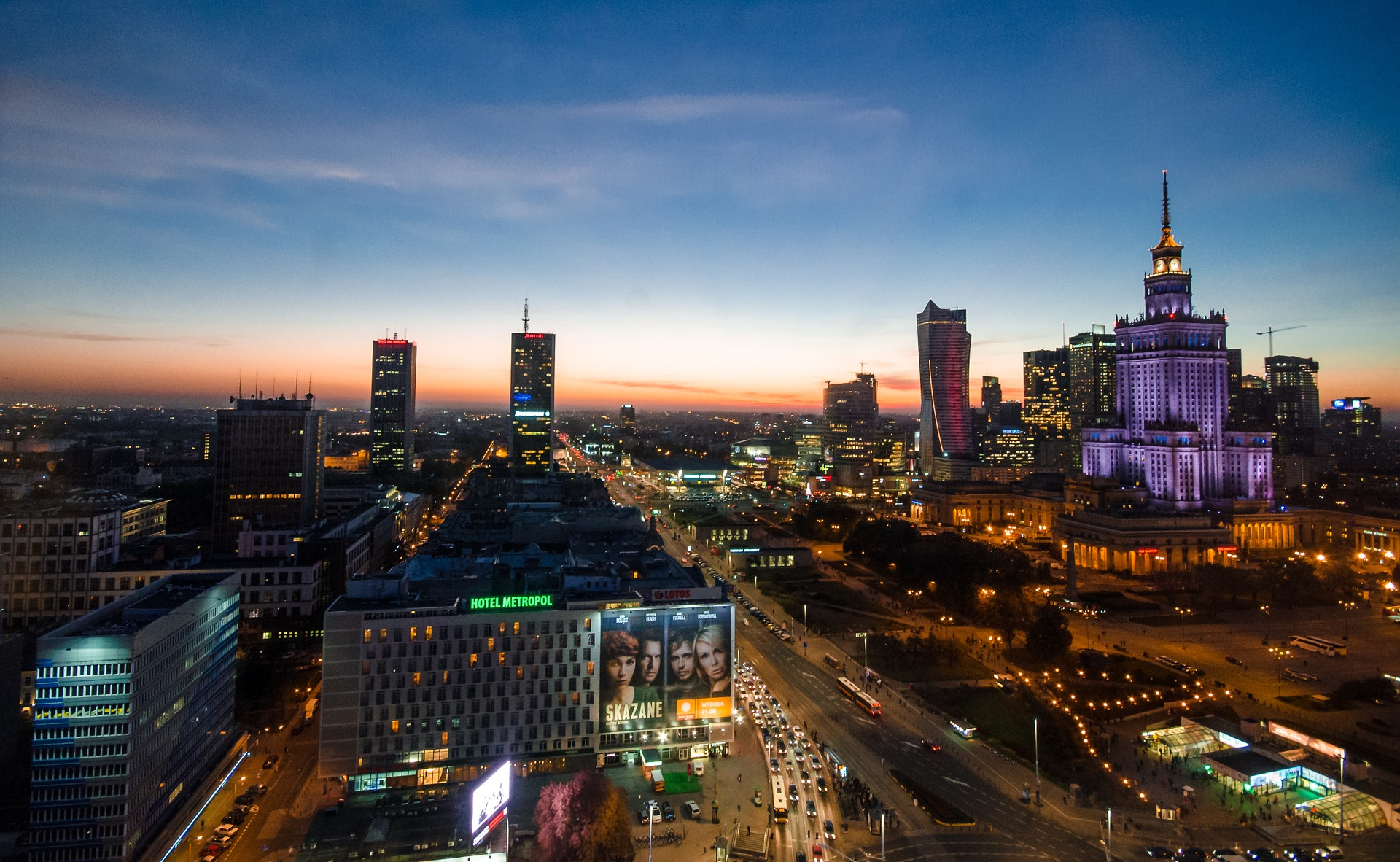 Przeniesienie części urzędów poza Warszawę może mieć pozytywne skutki dla samej stolicy. Fot. Pixabay