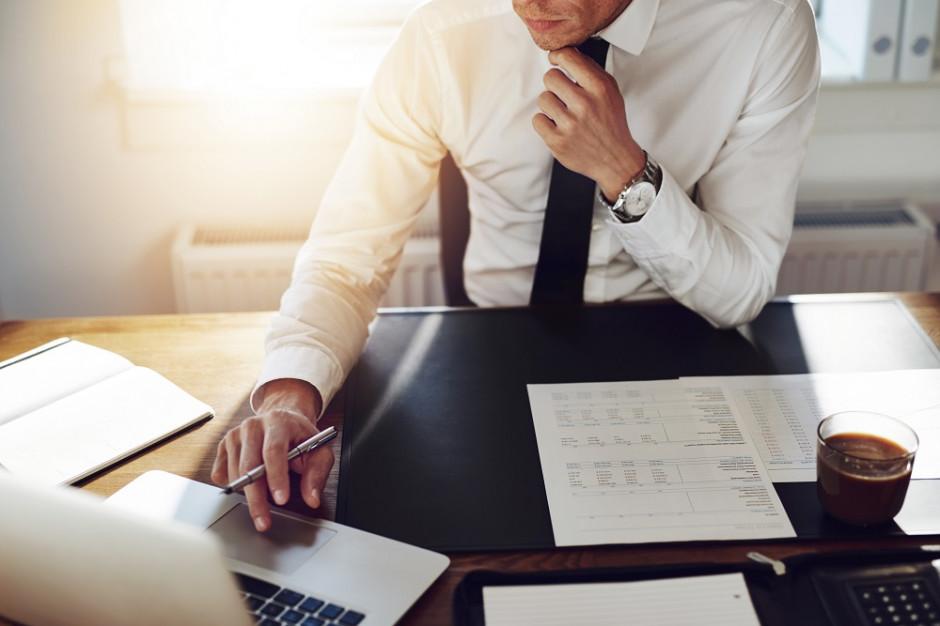 Czym charakteryzują się tłumaczenia prawnicze i dlaczego warto zlecać je profesjonalistom?