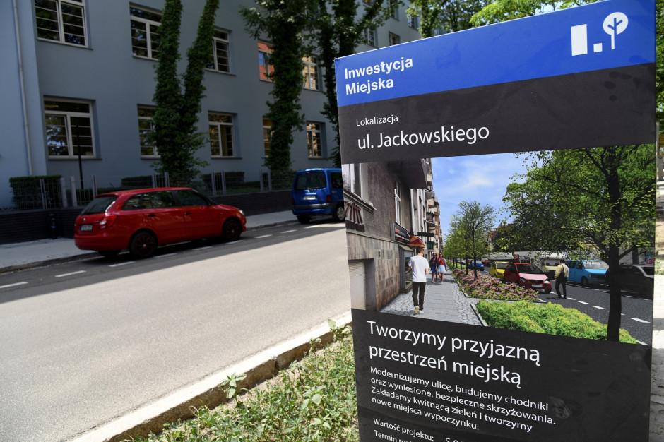 Poznań chce uspokoić ruch samochodowy. Trwa przebudowa ulicy