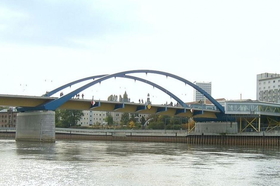 Okresowe zamknięcie dla samochodów mostu w Słubicach. Granicę przekroczymy gdzie indziej