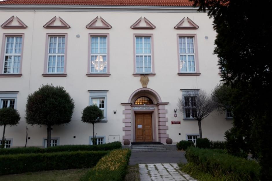 Rekrutacja do szkół średnich w Warszawie. Stolica przyjmie wszystkich absolwentów?