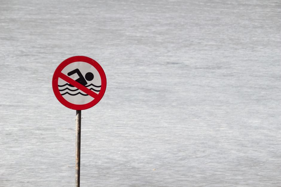Kąpieliska w Stepnicy i Gryficach zamknięte z powodu zakwitu sinic
