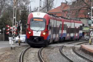 Warszawska Kolej Dojazdowa ma coraz więcej pasażerów