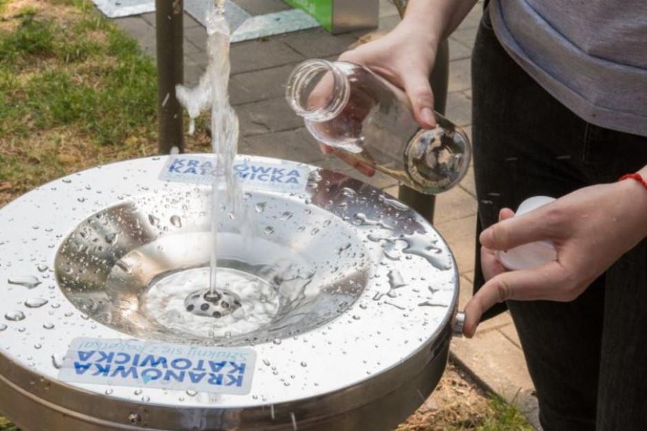 Katowice promują picie wody prosto z kranu. To rozwiązanie ekologiczne i tanie