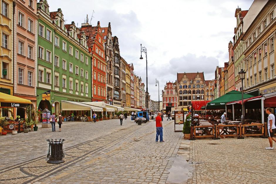 Wrocławianki uczą obcokrajowców polskiego
