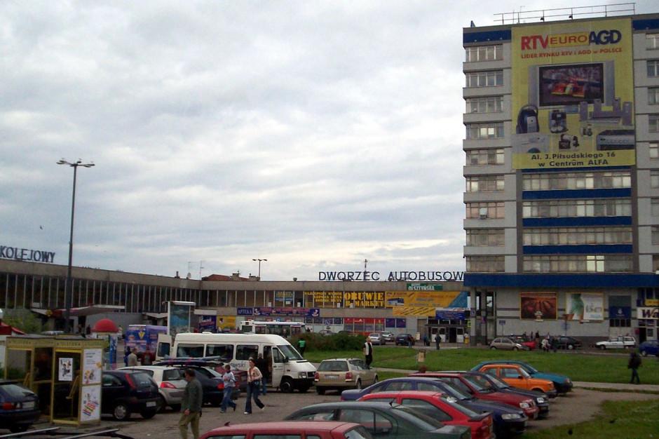 Dworzec Olsztyn Główny zbyt przeciętny by stać się zabytkiem. Jest decyzja ministra