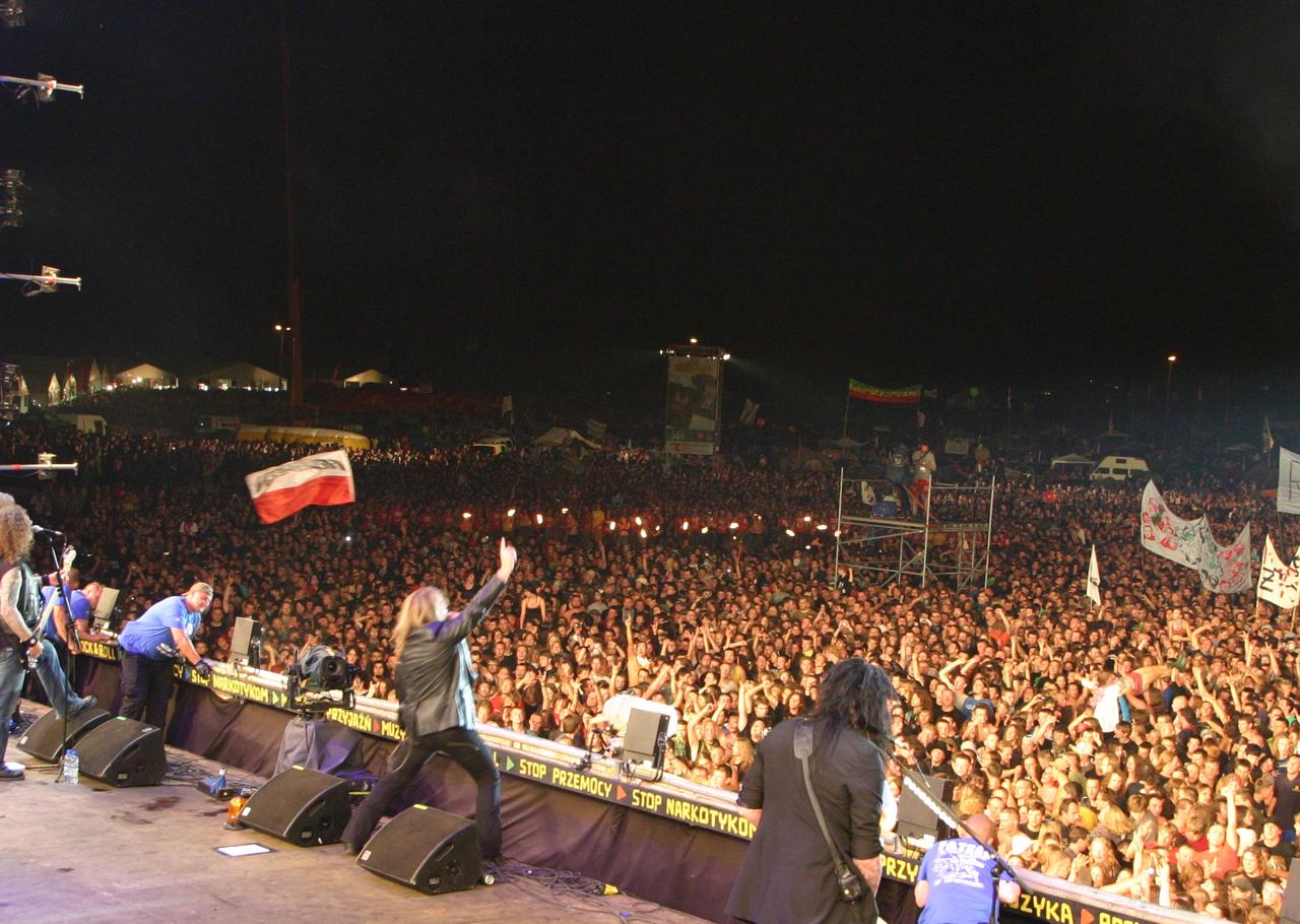 Zespół Helloween na dużej scenie w 2011 r. (fot. wikipedia.org/Ralf Lotys/CC BY 3.0)