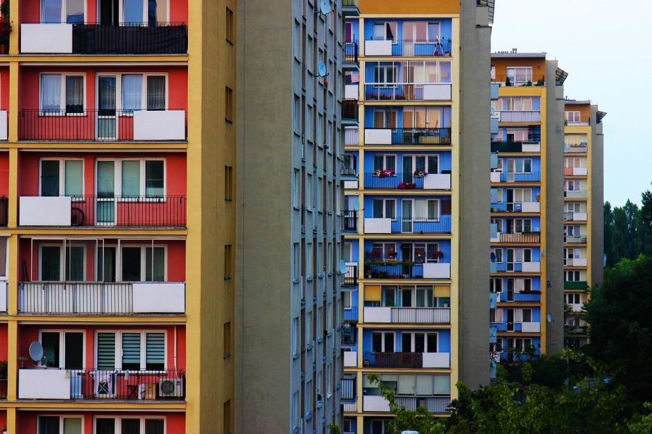 Polskie mieszkania przeludnione, a młodzi nie idą na swoje
