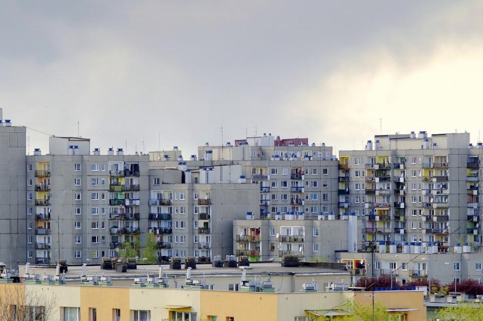 Kwieciński: ok. 60 tys. budynków z wielkiej płyty może być zmodernizowanych