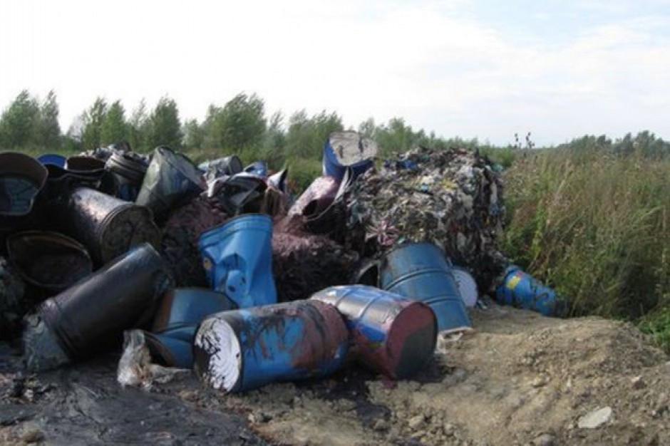 Bomby ekologiczne wciąż trują. Skala zaniedbań i niewiedzy poraża