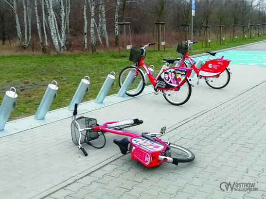 MZK w Olsztynie szuka sprawców uszkodzeń jednośladów (fot. UMOW)