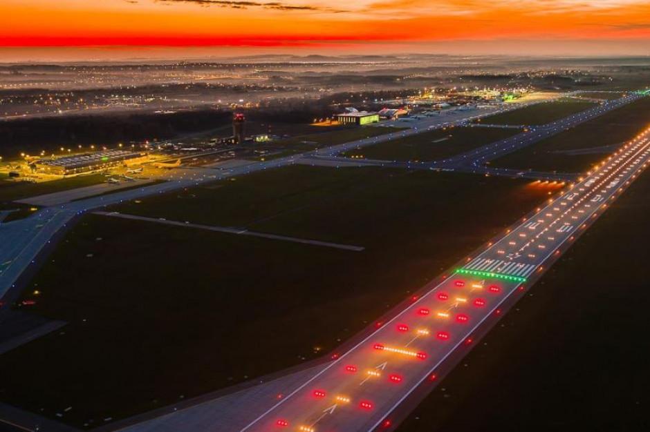 Linia kolejowa do lotniska Katowice będzie odbudowana. Inwestycja spełni dwie funkcje