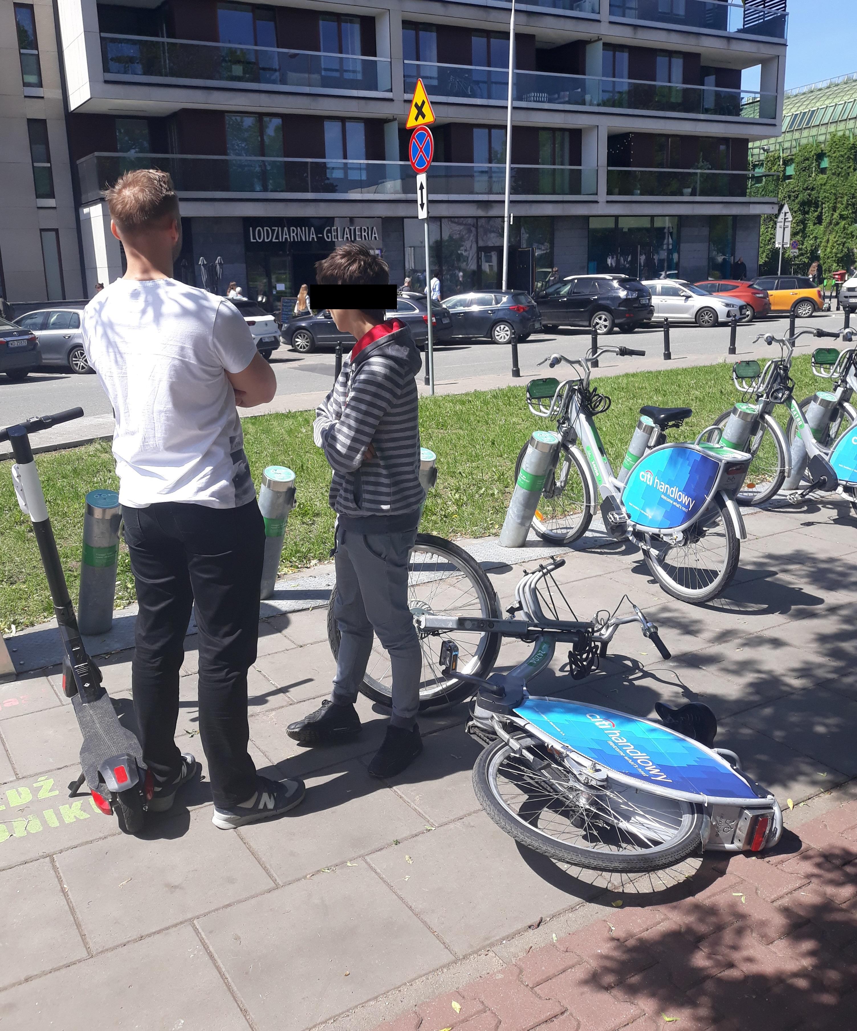 Sprawców nierzadko udaje się przyłapać na gorącym uczynku (fot. Nextbike)