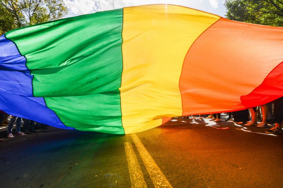 Kielce: Prokuratura bada sprawę możliwego znieważenia godła podczas Marszu Równości