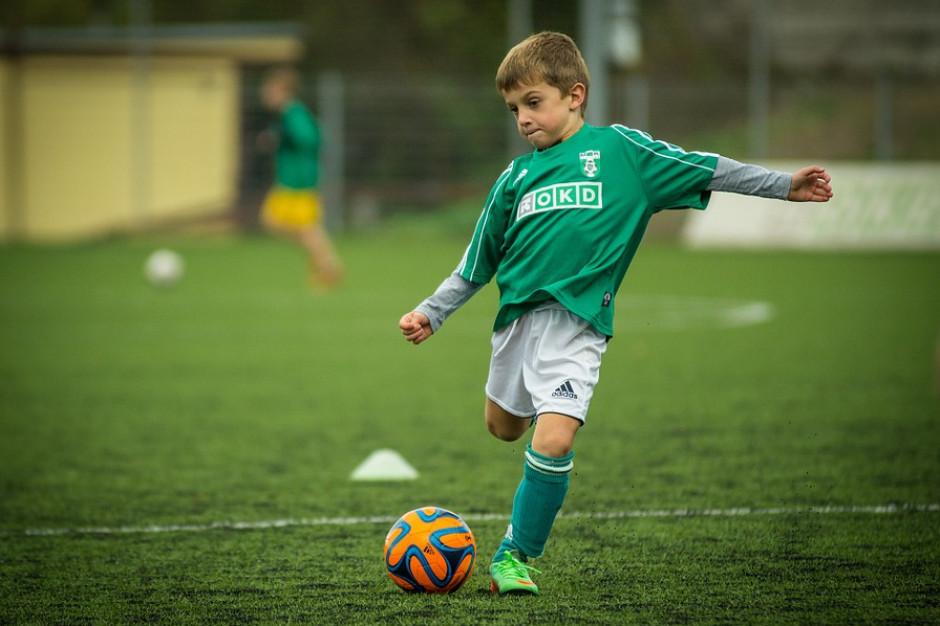 Orliki tylko dla chłopców? RPO apeluje o większą dostępność boisk dla wszystkich grup