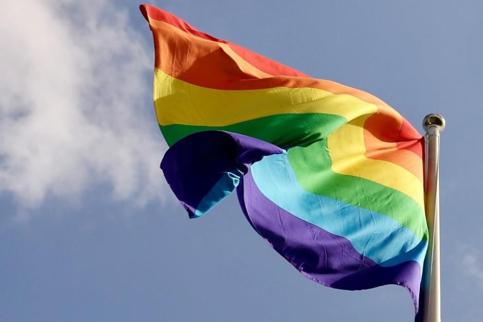 Abp Gądecki: szacunek do osób nie może prowadzić do akceptacji ideologii LGBT+