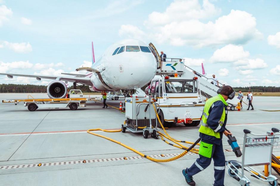 Rekordowy miesiąc dla lotniska w Szymanach: 15,4 tys. pasażerów