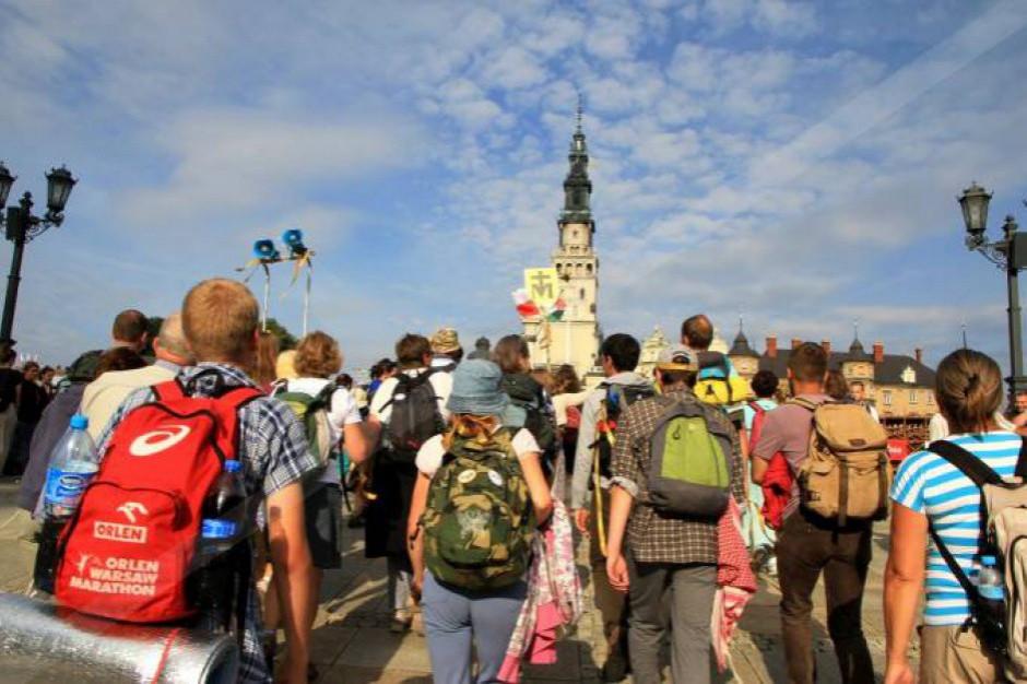 Kalisz: Pielgrzymi wyruszyli na Jasną Górę