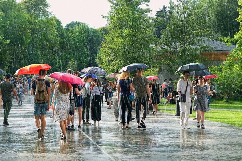 Prognoza pogody na weekend. Warto zabrać parasolki