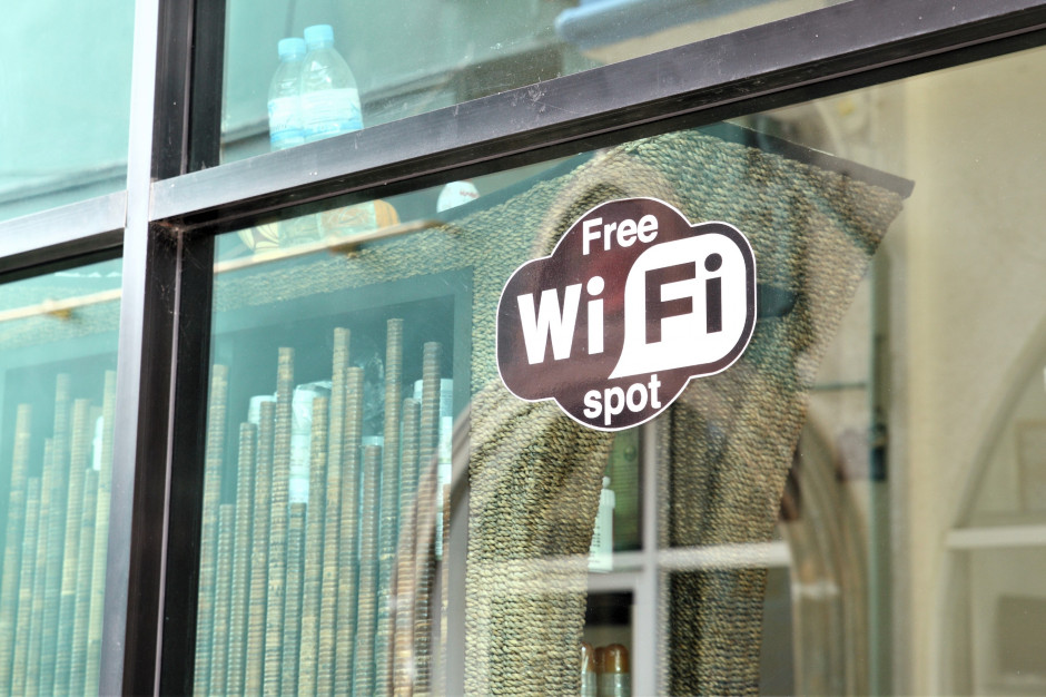 Darmowe WiFi w miejscach publicznych? Na hotspot samorząd może dostać 64 368 zł