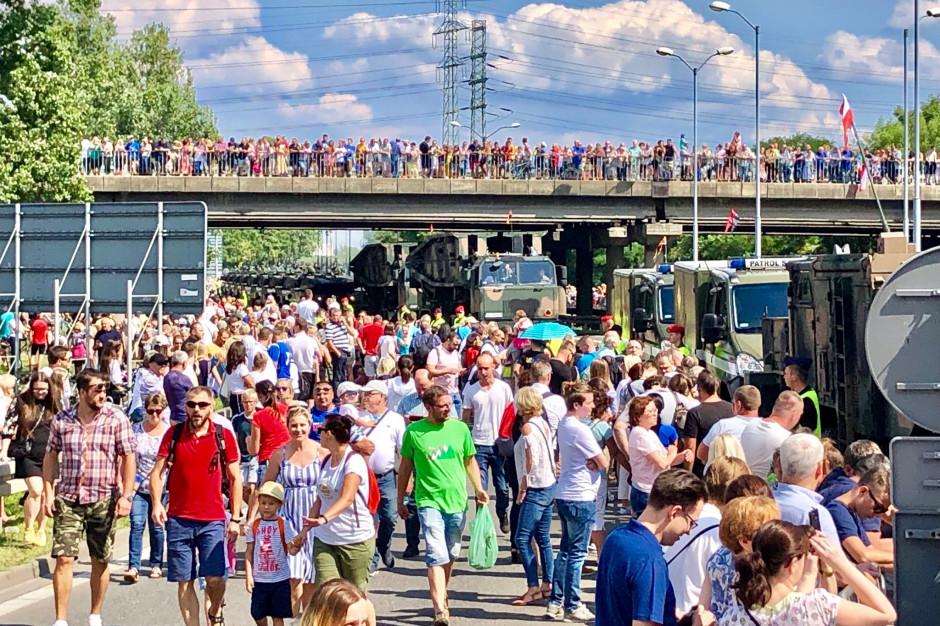 Defiladę w Katowicach oglądało około 200 tysięcy osób
