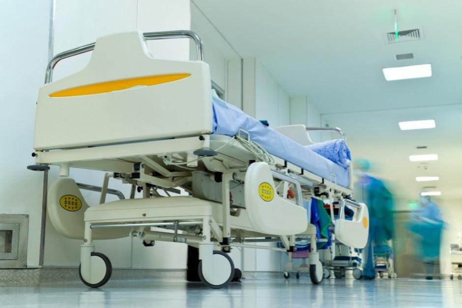 Raport Najwyższej Izby Kontroli: szpitale nadal toną w długach