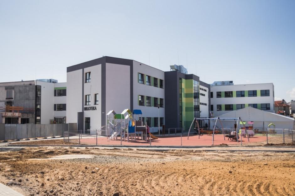 Budowa Metropolitalnej Szkoły w Kowalach zakończona