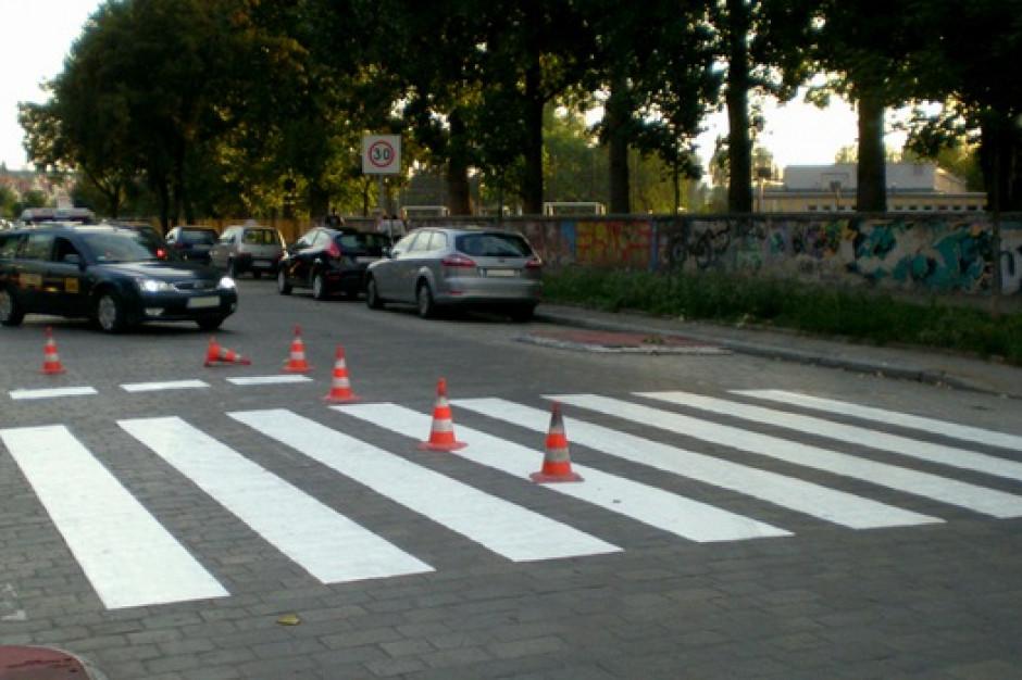 We Wrocławiu rusza akcja szkoła. Drogowcy wymalują 500 przejść dla pieszych