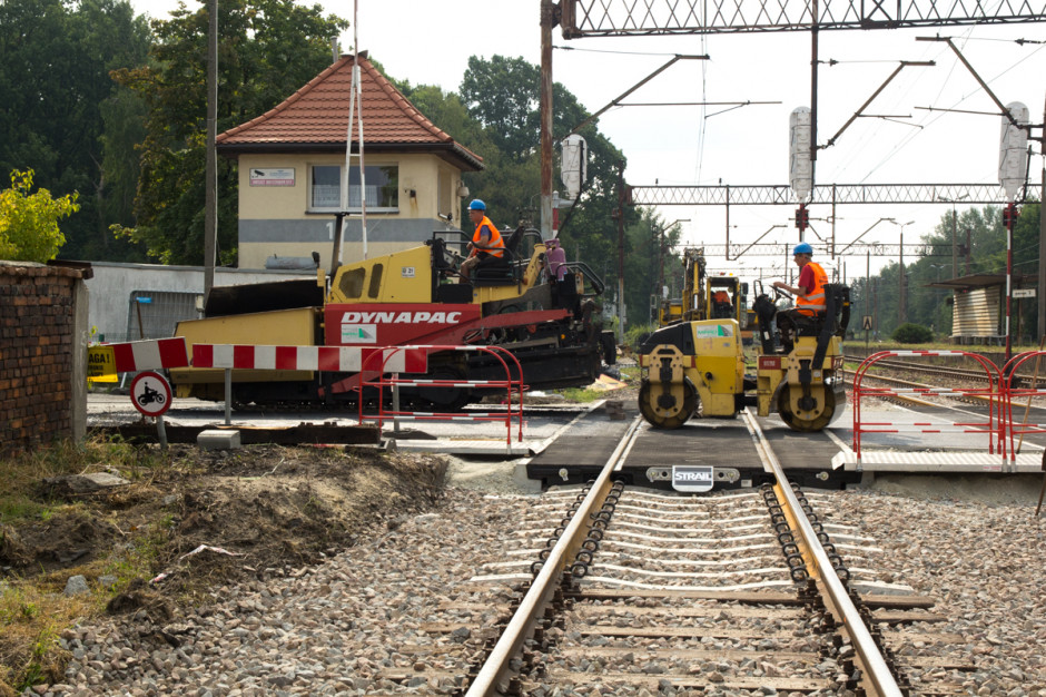 Ruszają wielomilionowe inwestycje na przejazdach kolejowych