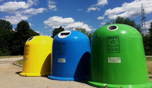 Nowe przepisy regulują również kwestię odbioru odpadów z nieruchomości niezamieszkanych, na których powstają odpady (fot. Pixabay)