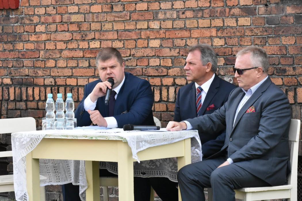 O termomodernizacji osiedla mówiono podczas konferencji prasowej (fot. UMWŚ)