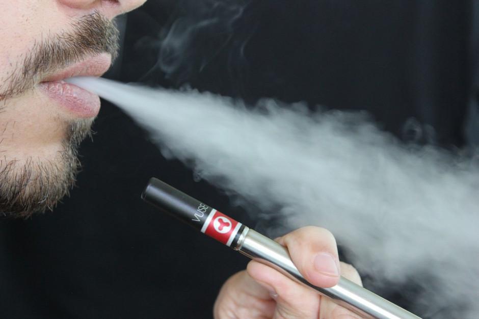 E-papierosy jak dopalacze. Ostrzeżenie dla szkół