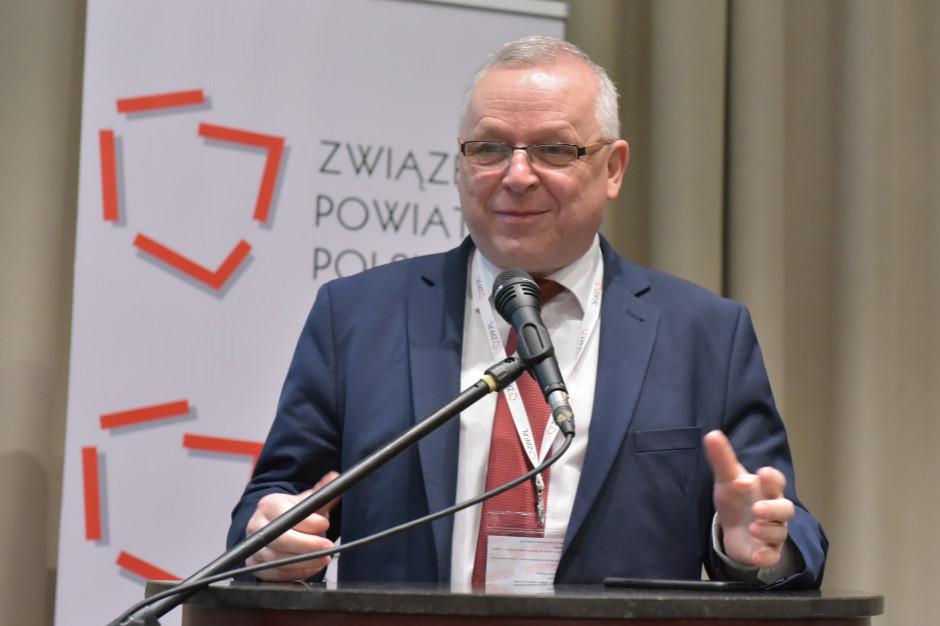 Prezes Związku Powiatów Polskich: Powiatom potrzebna jest długoterminowa strategia