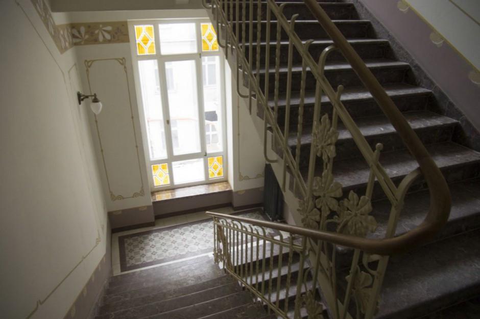 Komisja weryfikacyjna uchyliła decyzje w sprawie nieruchomości przy Puławskiej 107b