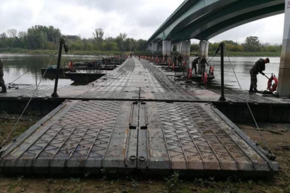 Wojsko zakończyło budowę mostu pontonowego