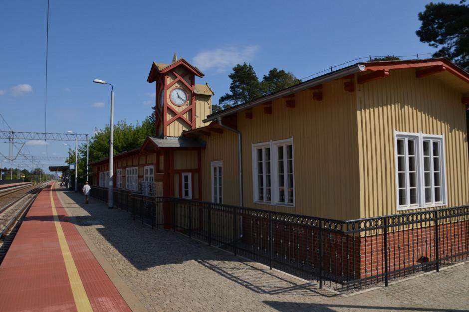 Koniec remontu dworca w Puszczykowie. Nakłady na renowację zabytków na Mazowszu