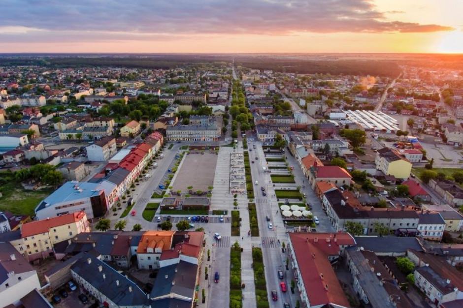 W Tomaszowie Mazowieckim wzmożone kontrole stanu technicznego latarń