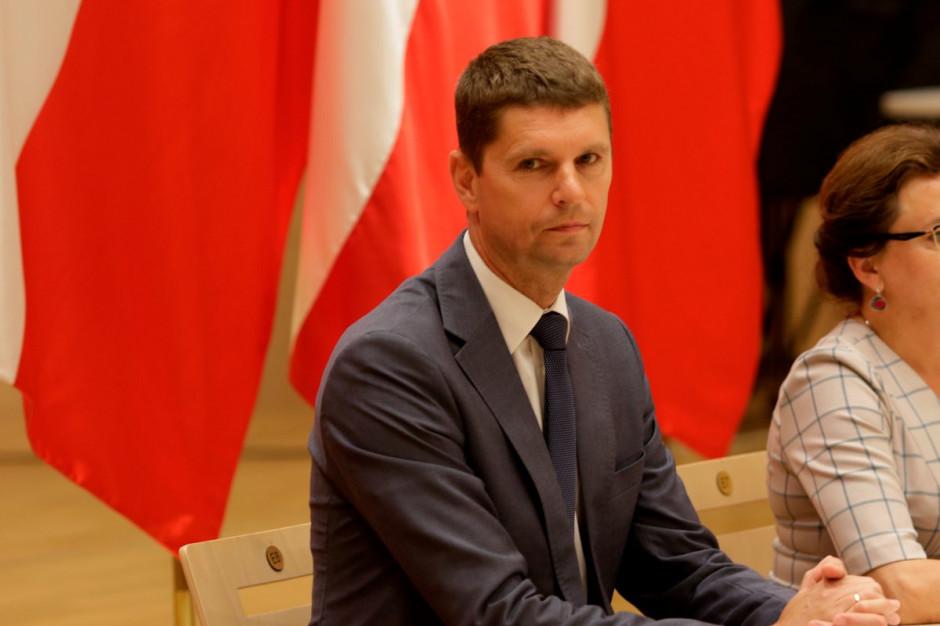 Dariusz Piontkowski: Za liczebność uczniów w klasach odpowiadają samorządy