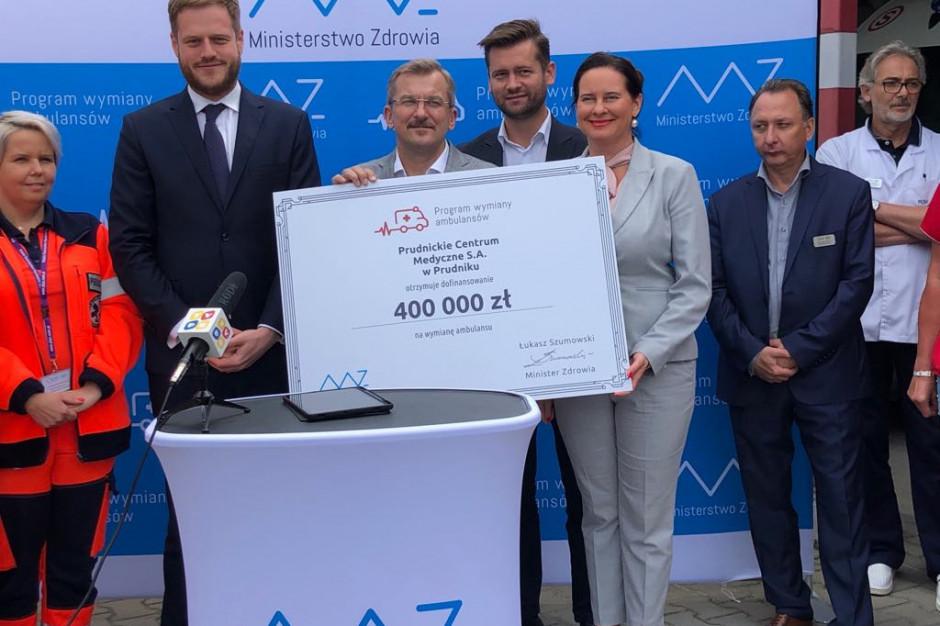 Cztery nowe karetki dla województwa opolskiego