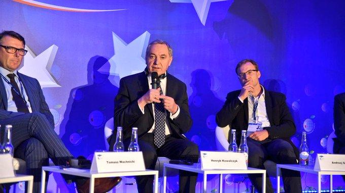 Podczas forum w Krynicy minister środowiska zapowiedział, że wkrótce poznamy nowe normy alarmowania (fot. TT/MŚ)