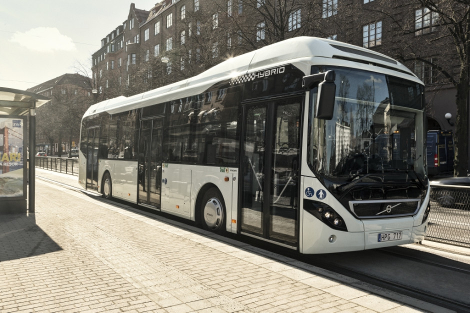 Kolejne hybrydy Volvo trafią na ulice miast