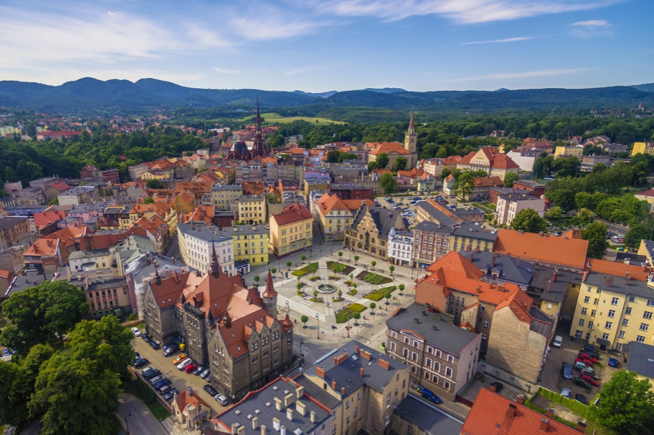 Rozwój lokalny. Jaki jest stan zarządzania publicznego i rozwoju terytorialnego w wybranych polskich miastach?