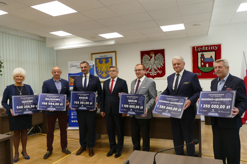 Kolejne 40 mln dla śląskich samorządów na inwestycje drogowe